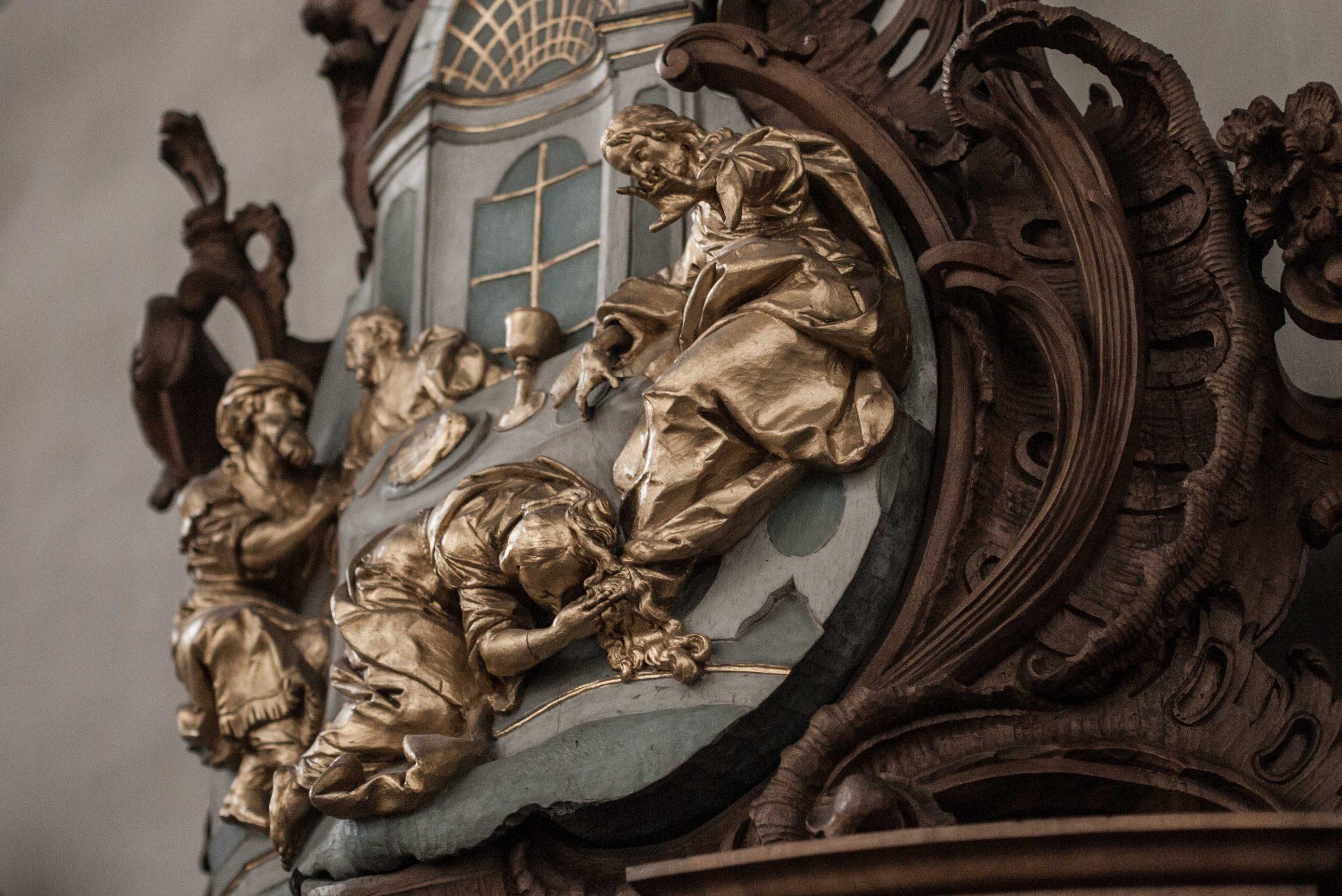 Die Sünderin und der Herr: Nähe zu Jesus setzt kein Perfekt-Sein voraus. Beichtstuhl in Sankt Gallen