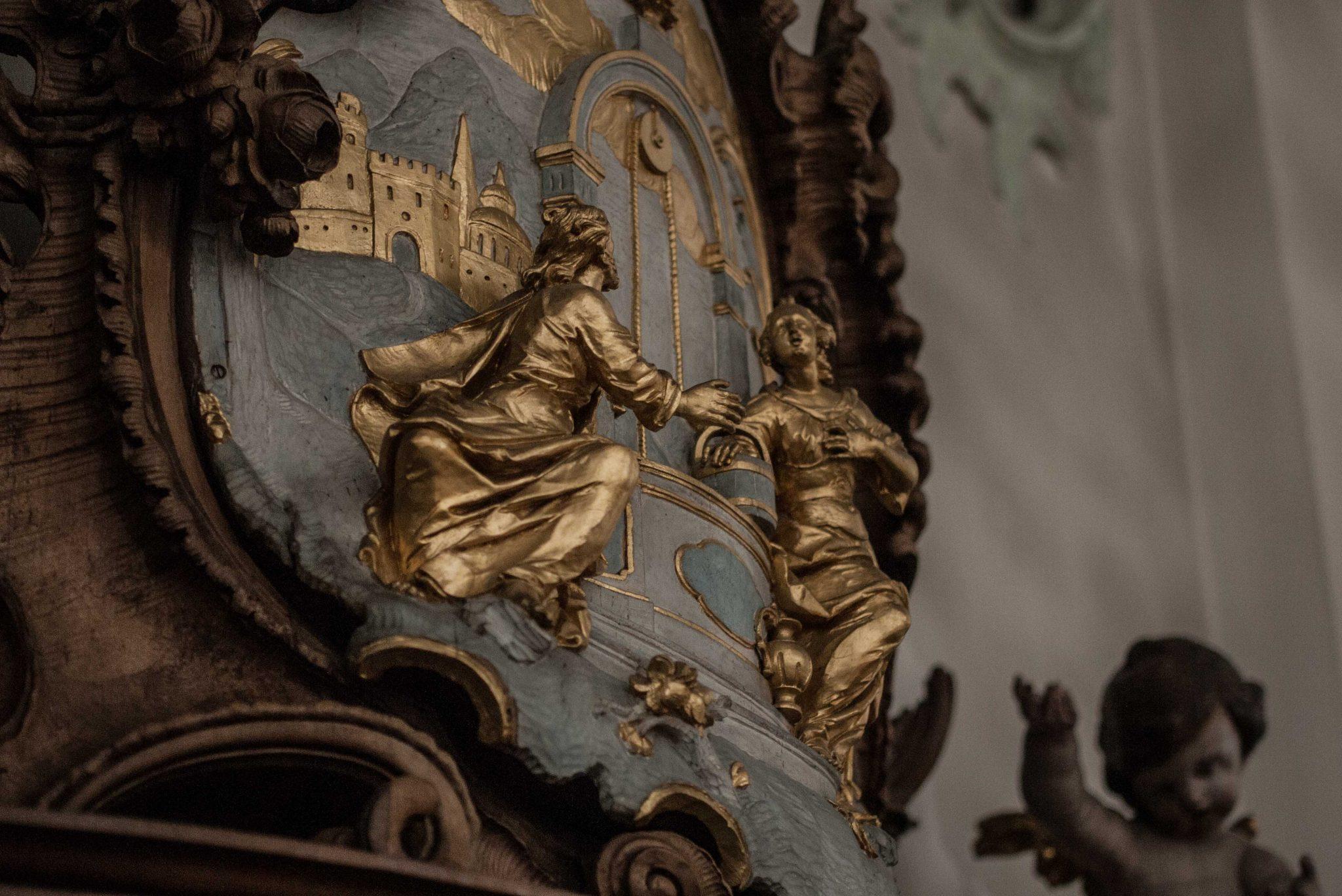 Jesusbegegnung am Brunnen: Darstellung an einem Beiststuhl im Dom Sankt Gallen