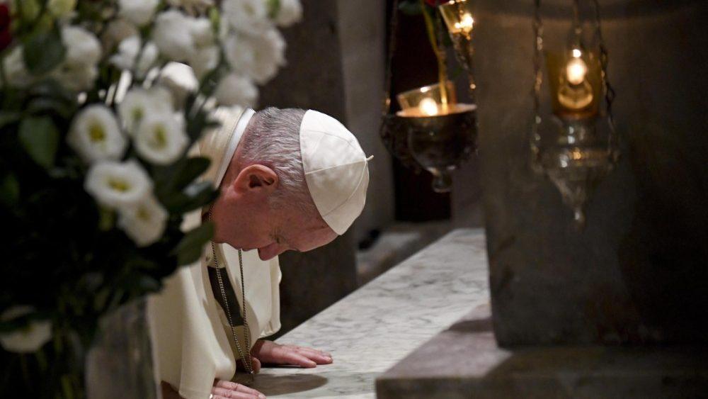 Papst Franziskus in Bari: Gebet am Grab des hl. Nikolaus