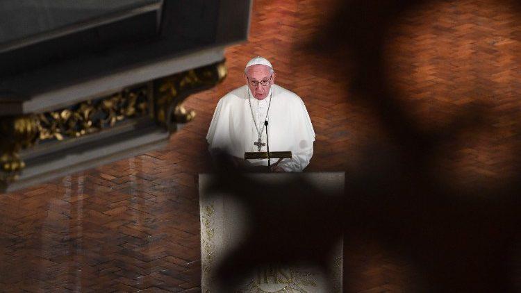 Papst Franziskus spricht in Riga