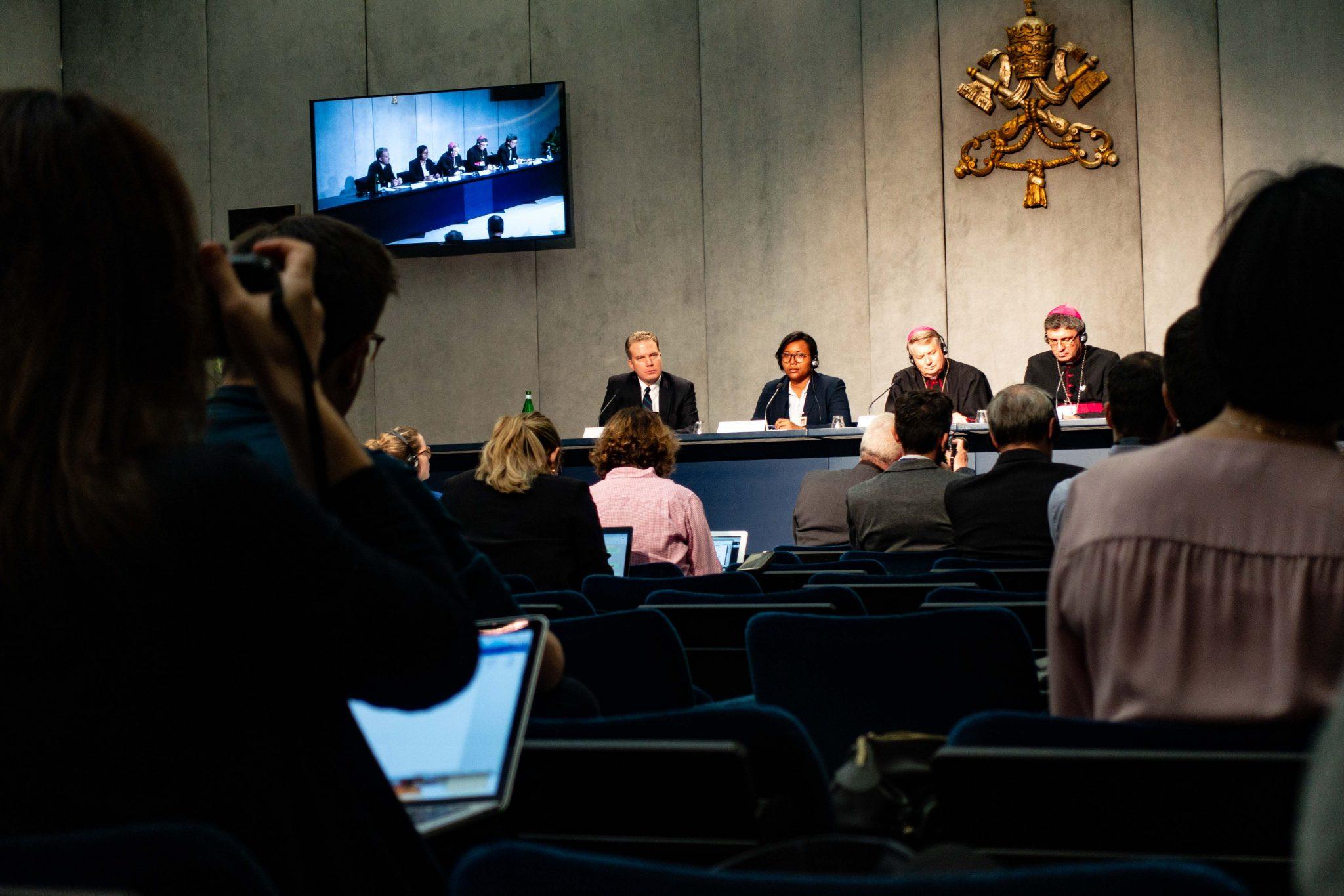 Pressekonferenz bei der Synode im Oktober
