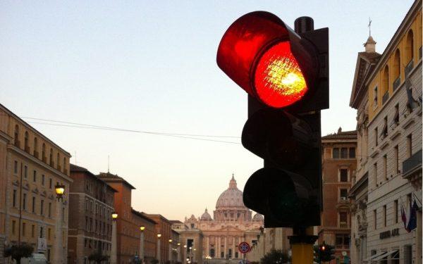 Missbrauchskonferenz im Vatikan - Rote Ampel für Vertuschung