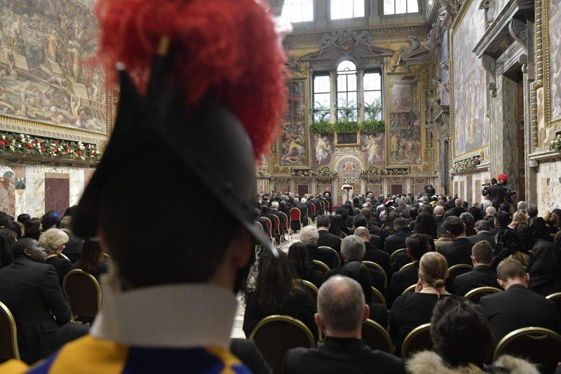 Papst und Politik: Ansprache vor dem diplomatischen Corps