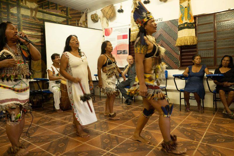 Indigene Kultur in der Spannung