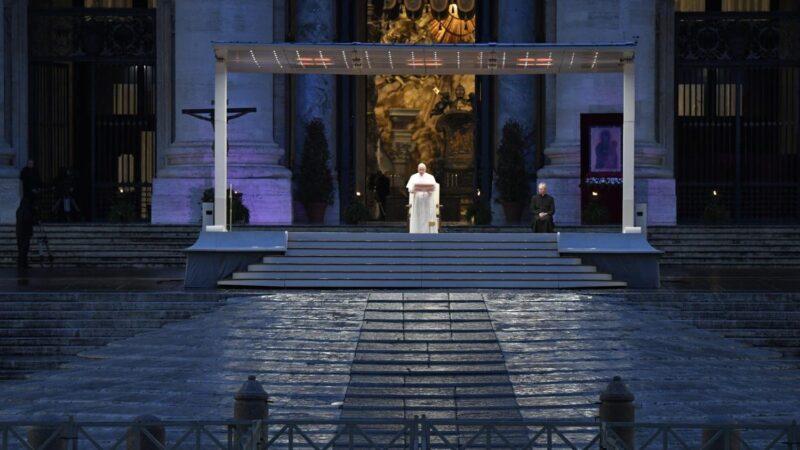 Ein leerer Petersplatz