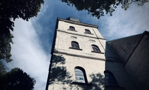 Was dürfen Laien in der Kirche?